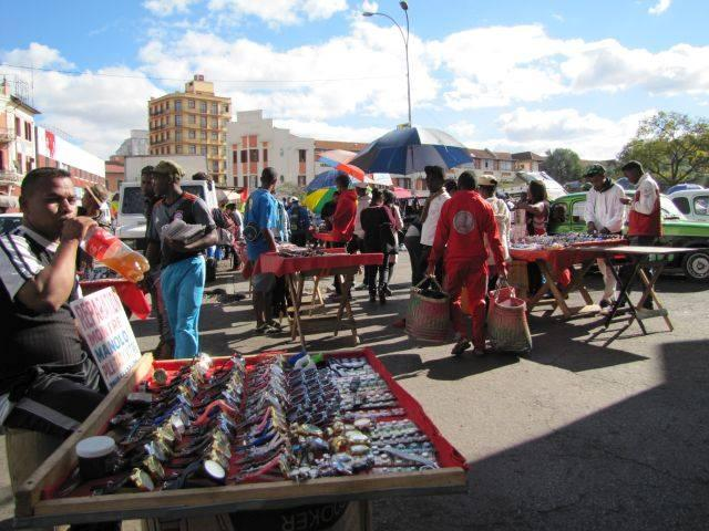 VOYAGER À MADAGASCAR