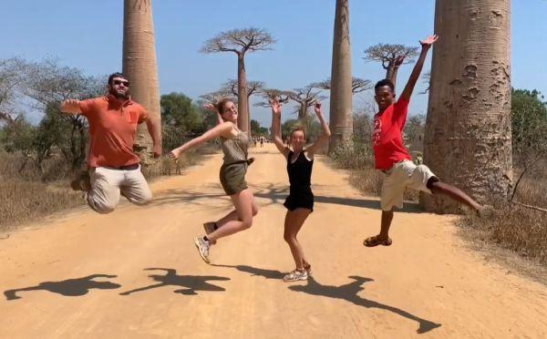 Angelique Guillet Voici le résumé de nos 5 semaines passées à Madagascar, bon visionnage