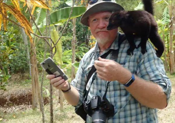 Seeing the lemurs and ylang ylang factory of Lemurialand