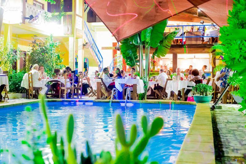 Restaurant – Bar – Piscine