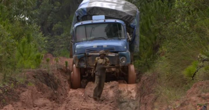 Les Routes de l'impossible - Madagascar, à l'assaut de l'Ile Rouge